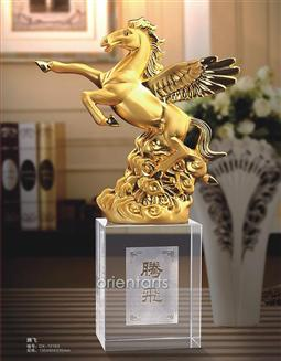 Flying Horse on Clear Crystal for Successful Feng Shui
